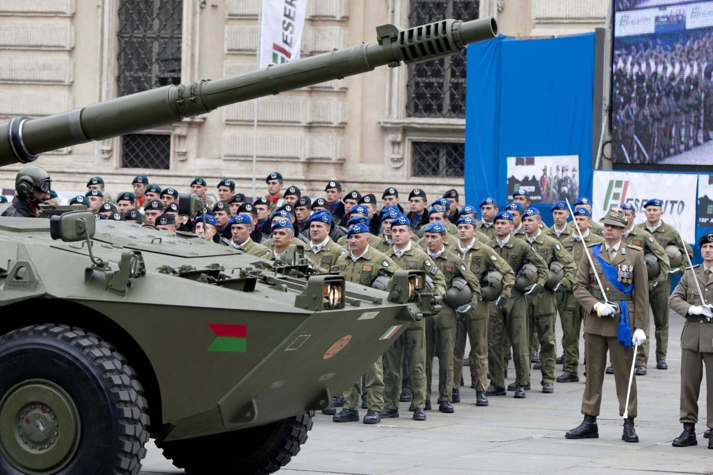 Mafia capitale a ostia emergenza inviate l 39 esercito for Di tommaso arredamenti ostia