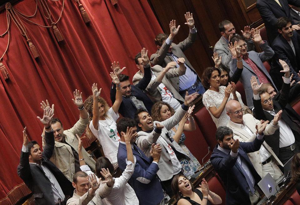 Quanto lavorano i parlamentari del movimento 5 stelle for Parlamentari 5 stelle elenco