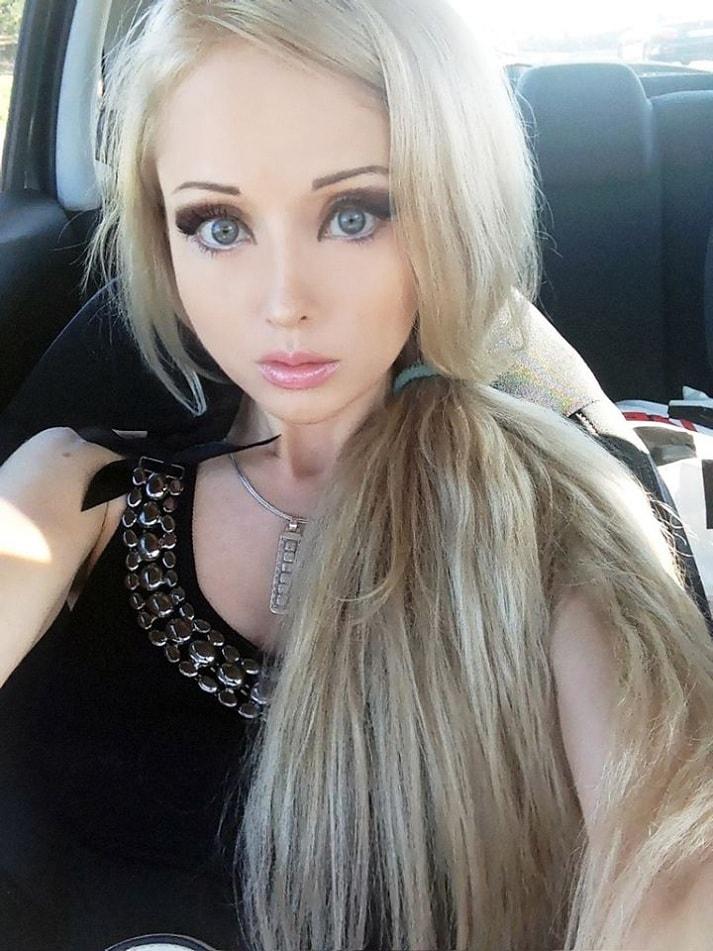 La barbie umana senza trucco giornalettismo - Barbie senza colore ...