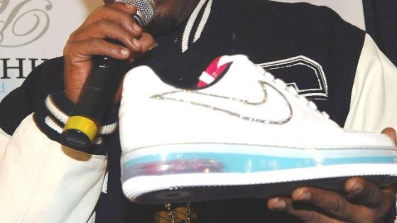 nike scarpe costose