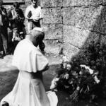 Giovanni Paolo II in visita ad Auschwitz