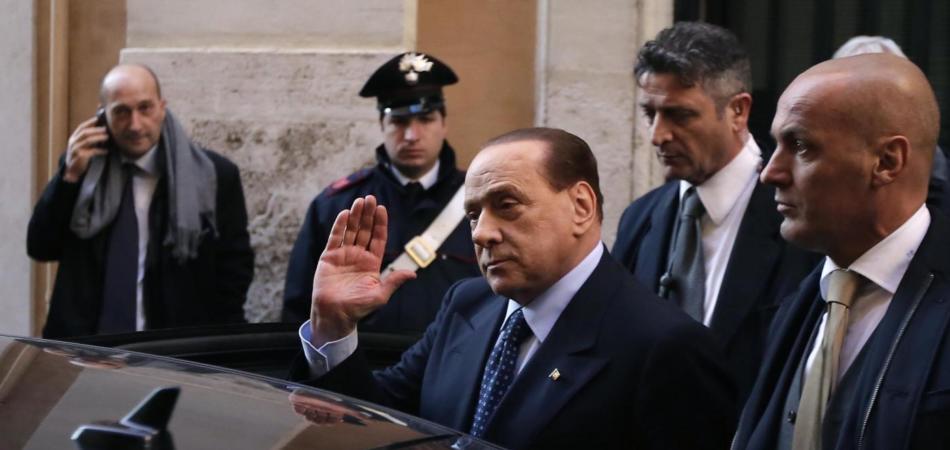 Berlusconi a Tarantini: «Veline in lista e minorenni? due bufale»