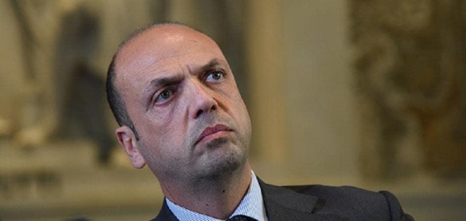 Angelino Alfano Libia