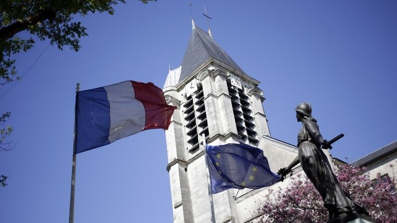 Francia, sventato un attentato ad una o due chiese, arrestato un terrorista algerino di 23 anni