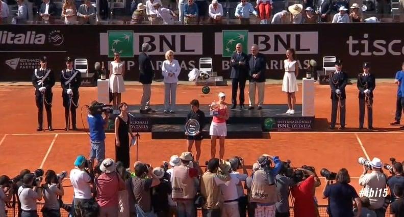 Internazionali Roma 2015 Sharapova vittoria Suarez Navarro coppa premiazione