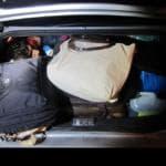 migrante nascosto auto foto