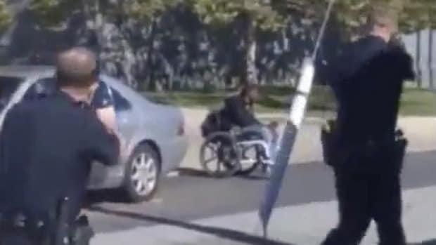 Polizia Jeremy Sulla DisabileCrivellato Dalla Sedia E McdoleNero shtxBQrCd