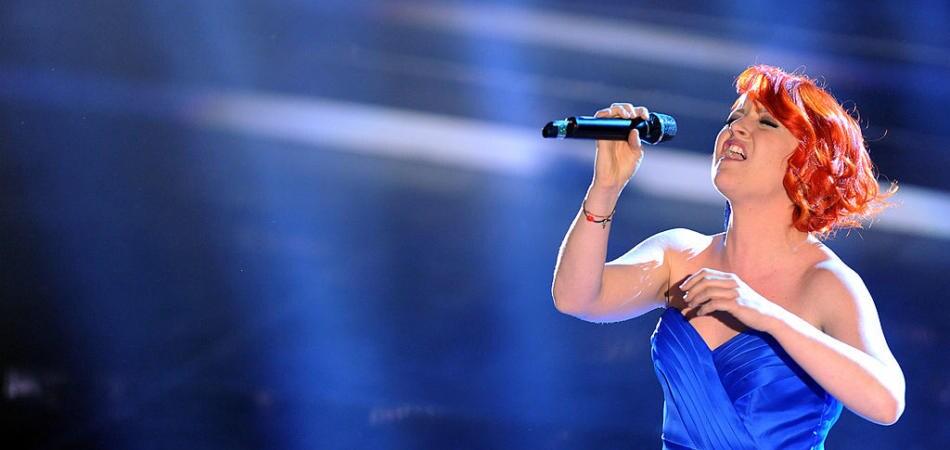 Testo canzone Noemi La Borsa Di Una Donna | Sanremo 2016