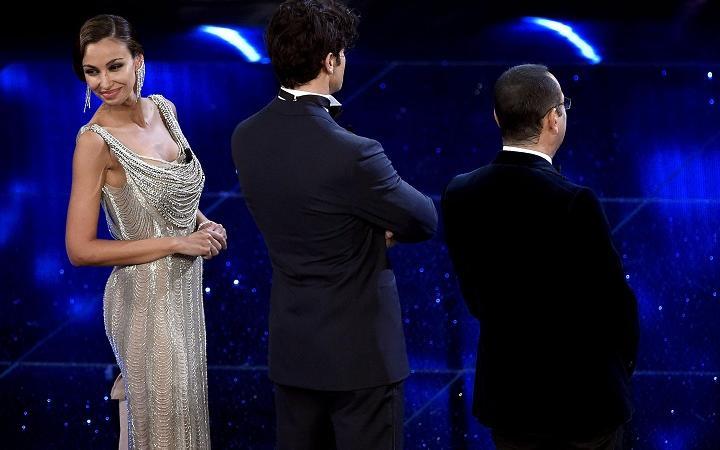 new style bb742 bdfa5 Madalina Ghenea   vestiti Sanremo 2016