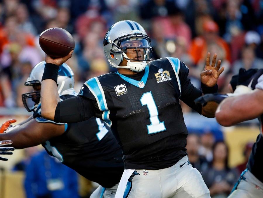Super-Bowl-50-Denver-Broncos-vincono-contro-Carolina-Panthers-24-10 ... b1dbfb77f