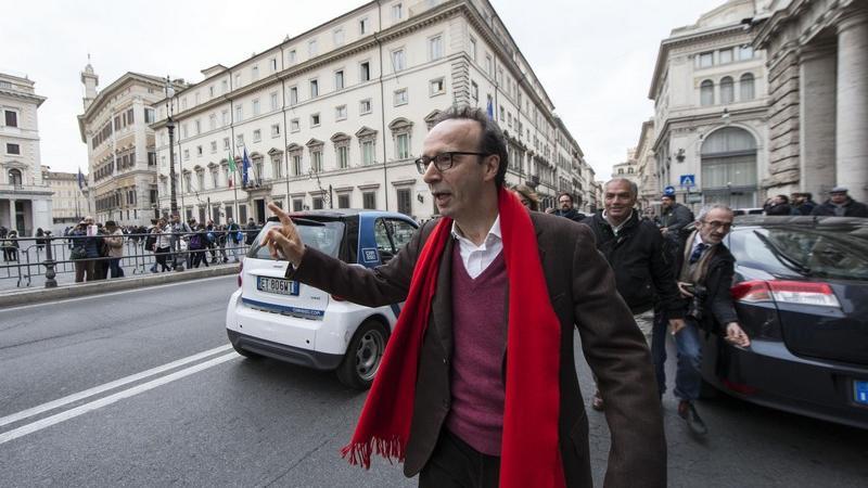 Roberto Benigni contromano