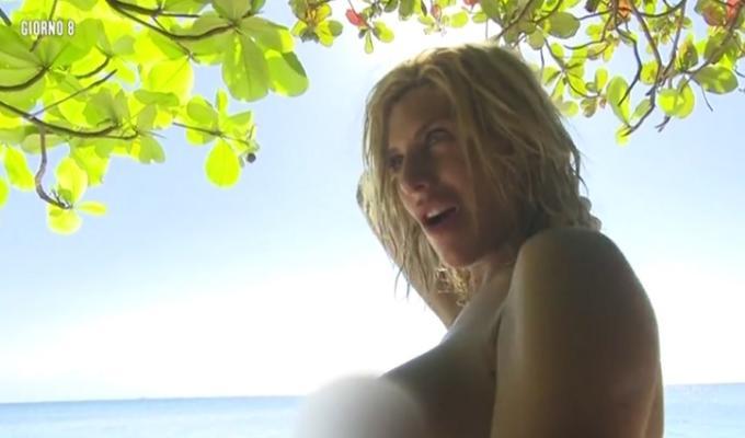 isola dei famosi 2016 sfilata desnude foto