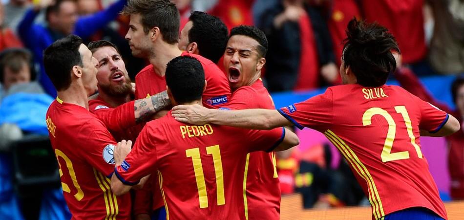 Spagna-Repubblica Ceca video gol piquet highlights