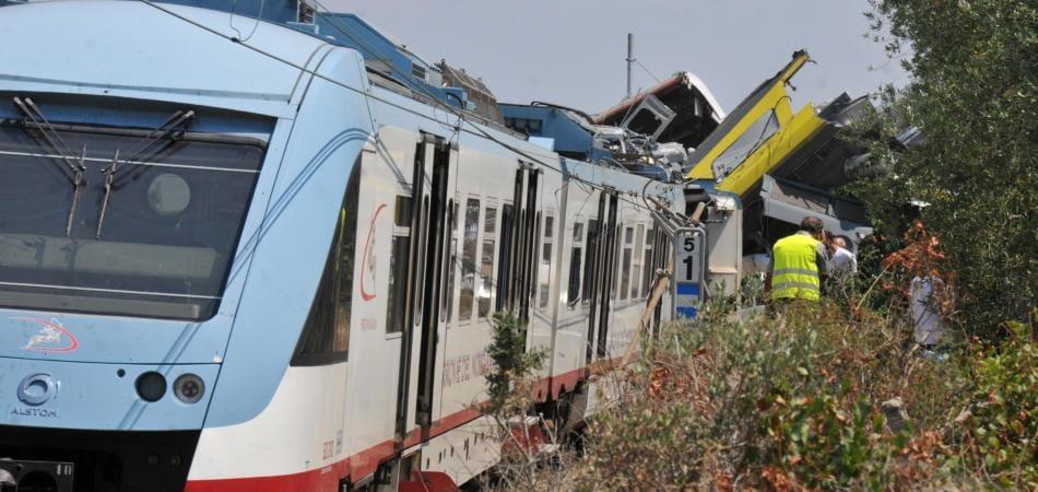 incidente treni puglia