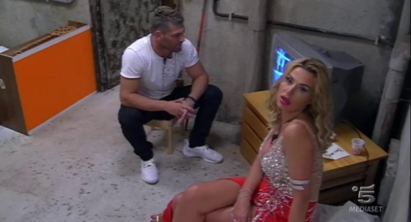 Jonas fratello dating Miss Universo