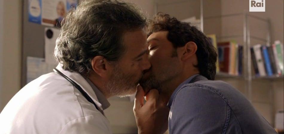 un medico in famiglia bacio gay