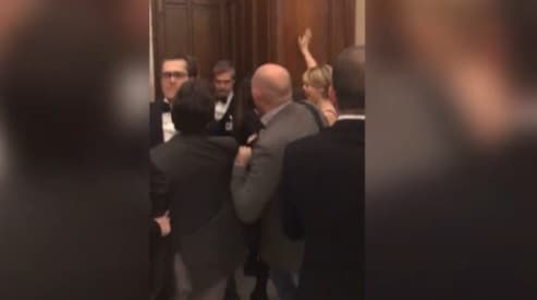La camera sospende 36 deputati m5s attentato alle for Tv camera deputati