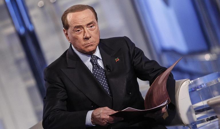 Forza italia rischia di chiudere per i troppi debiti for Parlamentari di forza italia