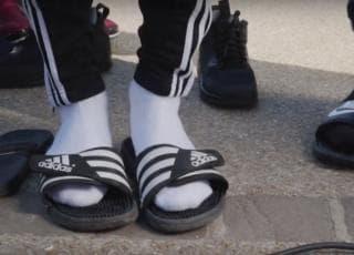 Claquettes chaussettes