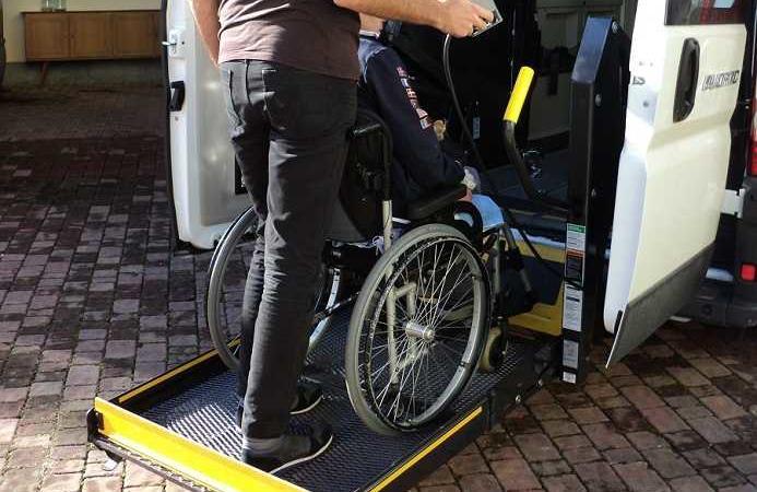 bambina disabile