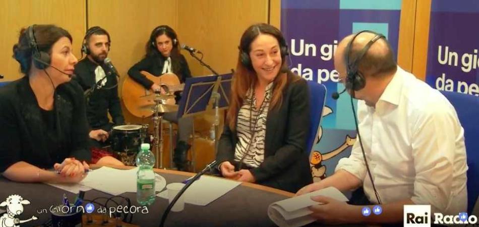 Paola Taverna scienze politiche