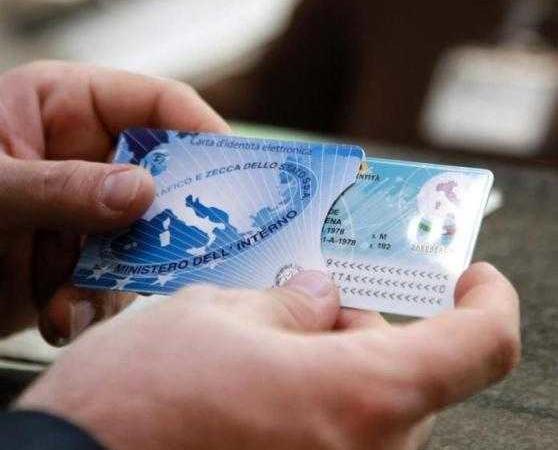 Carta d'identità elettronica carta credito