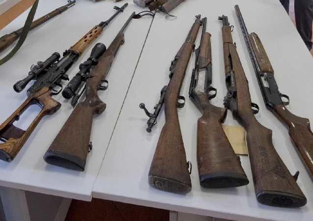 armi detenute illegalmente