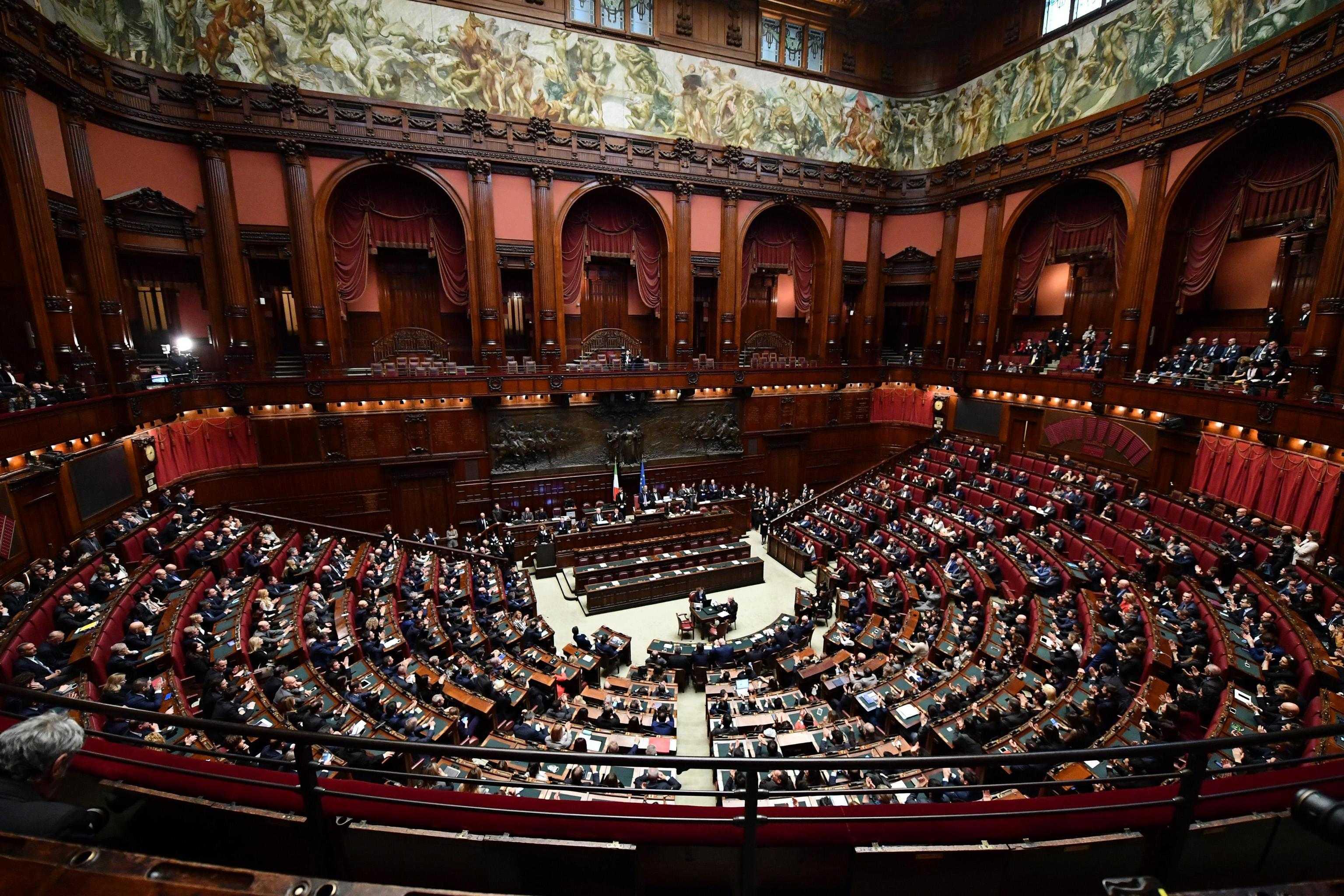 Capigruppo camera senato tutti i nomi dei partiti della for Calendario camera dei deputati