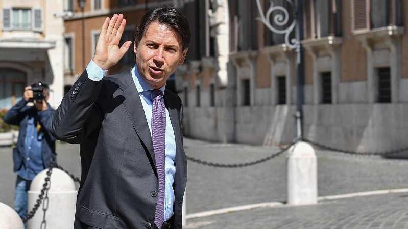 Giuseppe Conte circolo canottieri