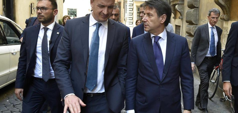 Juncker attacca Casalino