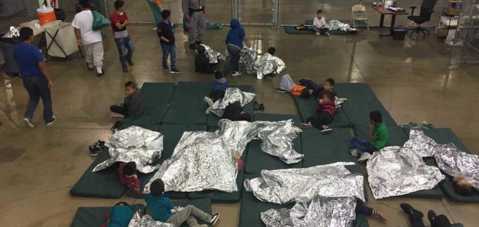 bambini migranti Usa piangono