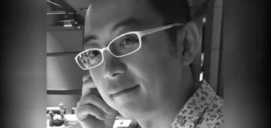 Blogger okamoto ucciso a un convegno da un suo hater del web - Metodi per andare in bagno ...