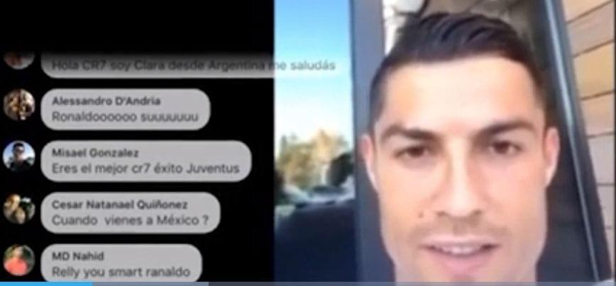 Cristiano Ronaldo saluta
