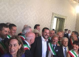 Salvini incontra Carabiniere