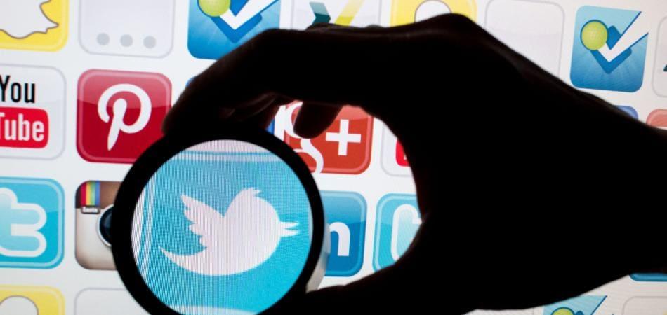 Twitter e Alex Jones