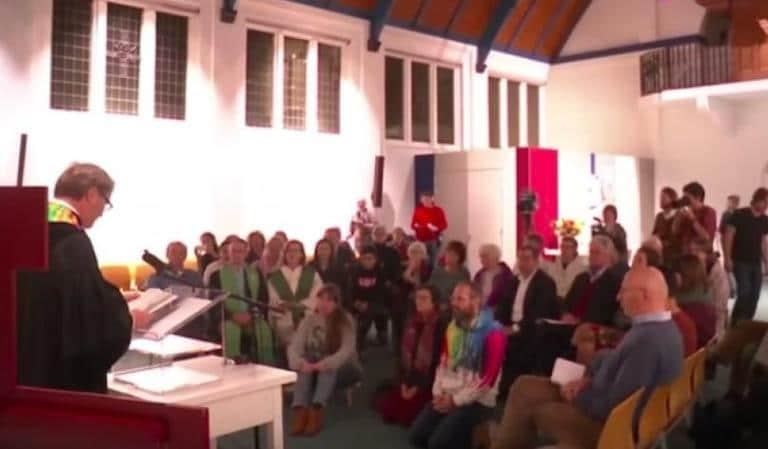 Olanda, la messa ininterrotta da 50 giorni per salvare una famiglia di migranti