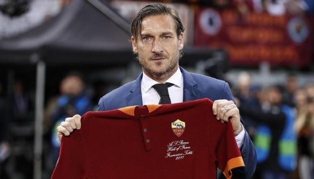 alta qualità più economico marchio famoso Francesco Totti, la sua autobiografia diventerà una serie tv