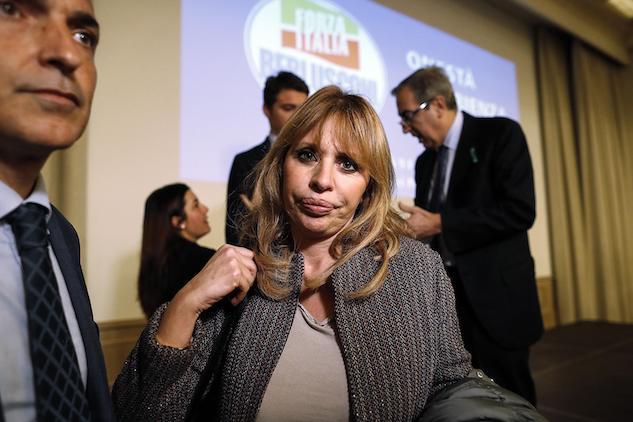 Alessandra Mussolini Attacca Gli Antifascisti Vanno Buttati In Galera