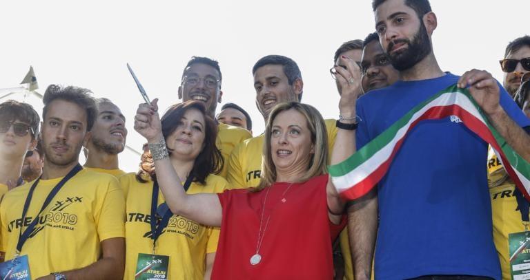 Giorgia Meloni esulta perché Fratelli d'Italia è il secondo partito del Centrodestra. Su tre