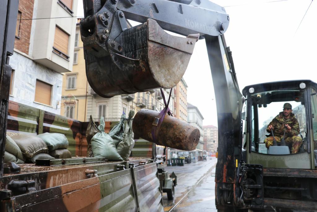 Bonifica bomba Torino