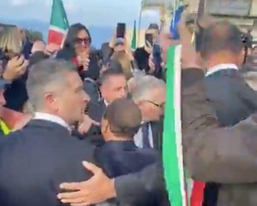 Berlusconi presenta Jole Santelli a Tropea: «La conosco da 2