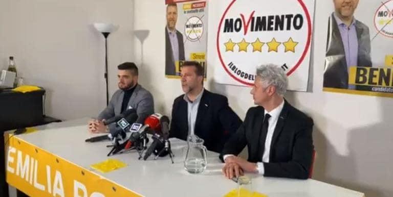 Il candidato M5S in Emilia-Romagna festeggia per la 'scomparsa' di Forza Italia | VIDEO