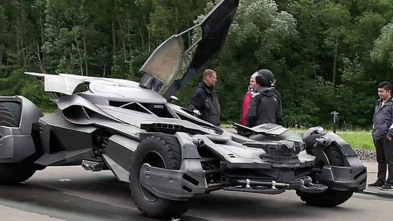 Batmobile sequestrata dalla polizia a Mosca | Video