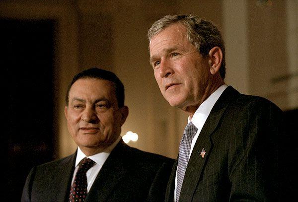 È morto Mubarak