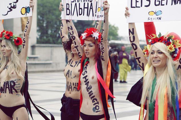 Come essere una Femen ai tempi del #Metoo, tra topless e scu