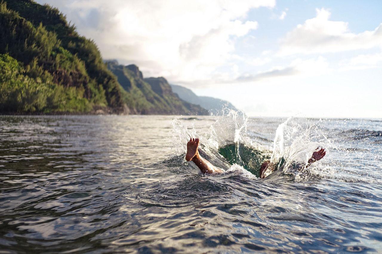Il via libera per fare il bagno in mare, laghi e fiumi ...