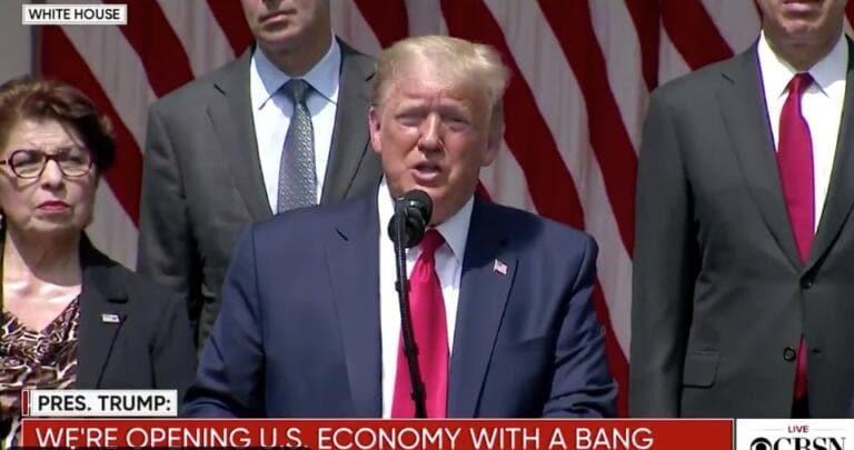 Trump dice che se George Floyd potesse guardarci, direbbe ch