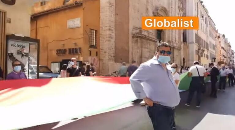 La destra a Roma il 2 giugno, l'insulto a Mattarella: «La mafia ha ucciso il fratello sbagliato» | VIDEO