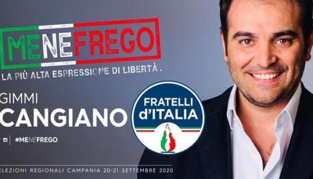Il candidato di FdI in Campania sta usando il motto fascista