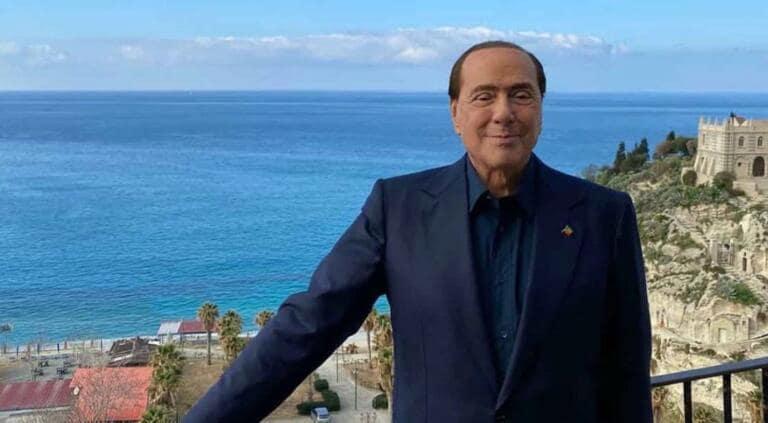 Berlusconi e il sogno di un governo (con l'attuale Parlament